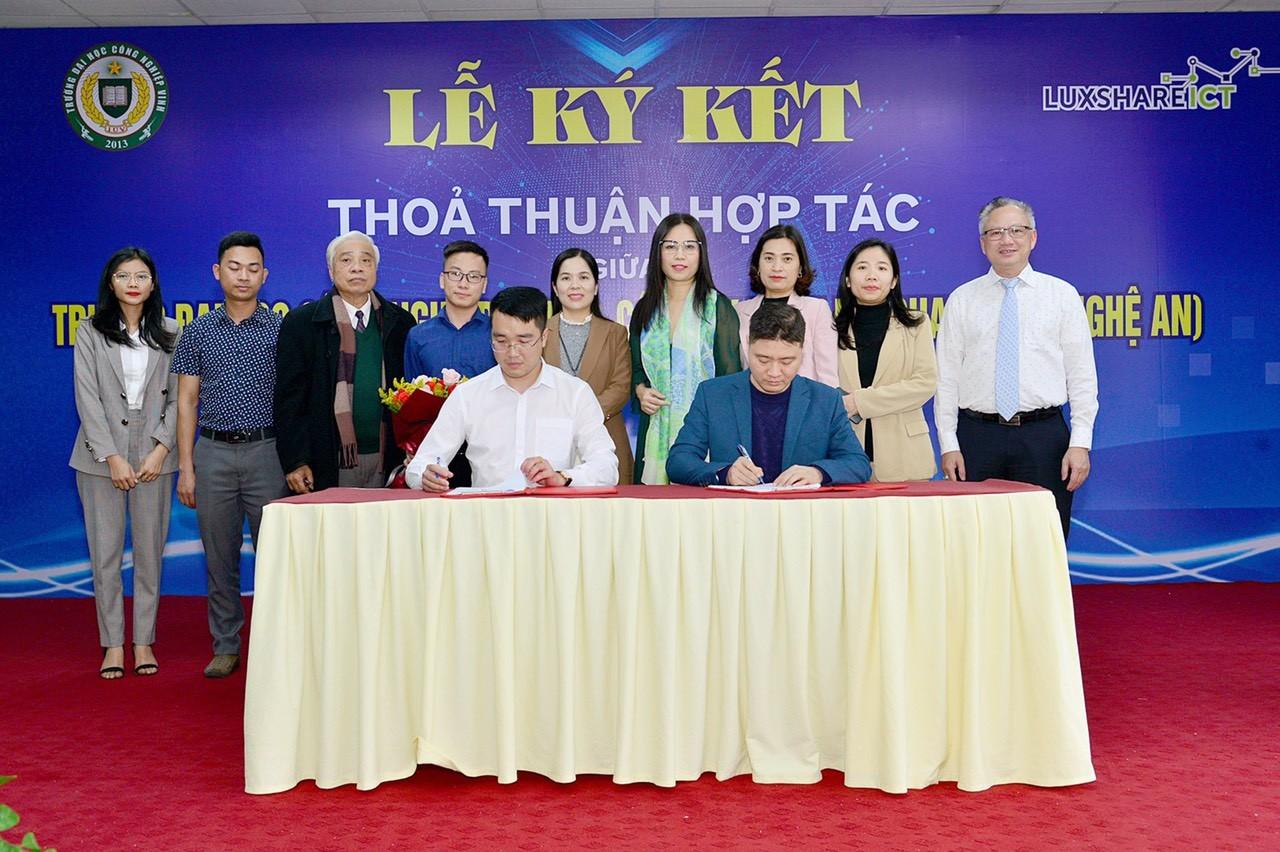Ký kết thỏa thuận hợp tác giữa Trường Đại học Công nghiệp Vinh và Công ty...