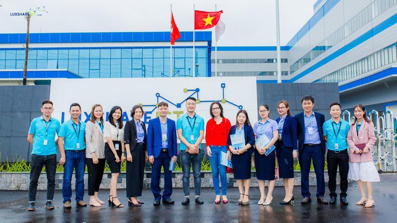 Tăng cường liên kết đào tạo và hợp tác quốc tế - Mở rộng cơ hội việc làm cho sinh viên tại IUV