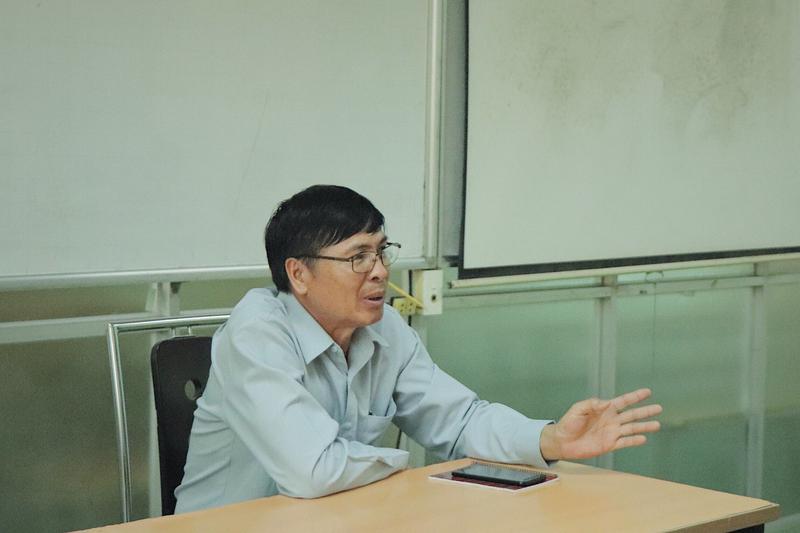 Ông Thoong phết in phan xay - PGĐ Sở GD và TT tỉnh Xiêng Khoảng trong cuộc gặp gỡ, làm việc tại Trường ĐHCNV