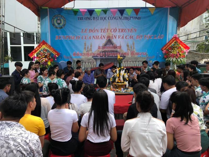 Đón tết Bunpimay cùng Du học sinh Lào tại Trường Đại học Công Nghiệp Vinh