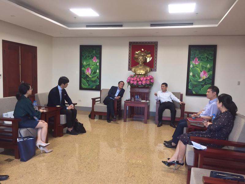 Đồng chí Thái Thanh Quý - Ủy viên dự khuyết Ban chấp hành TW Đảng, Chủ tịch UBND tỉnh Nghệ An tiếp đón lãnh đạo Công ty FAJ - Will Group (Nhật Bản) và lãnh đạo trường Đại học Công nghiệp Vinh, chúc mừng kết quả bước đầu triển khai hợp tác giữa Công ty và Nhà trường về việc đào tạo nguồn nhân lực cho các Doanh nghiệp tại Nhật Bản và các Doanh nghiệp Nhật Bản đầu tư vào tỉnh Nghệ an.